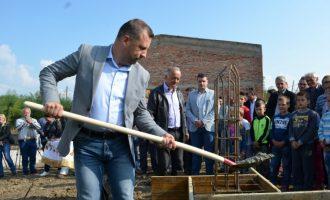 """""""Shqiptarët na kanë uzurpuar pronat"""" – ankesa e serbëve tek zv.kryeministri"""