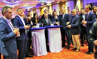 Urimet politike të Bajramit – si e lidhën liderët Kurbanin me krizën politike