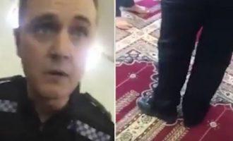 Policët futen me këpucë në xhami, përballen me besimtarët (Video)