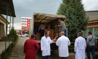 Stafi i QKMF-së shkon në ekskursion – në komunë mbesin vetëm dy mjekë