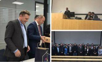 Konsulli i Kosovës në Austri ia organizon kushëririt ligjëratën në Universitetin e Grazit