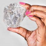 Milionat për diamantin gjigant