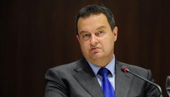 """""""Ambasadori amerikan nuk duhet përzier në punët e Serbisë"""""""