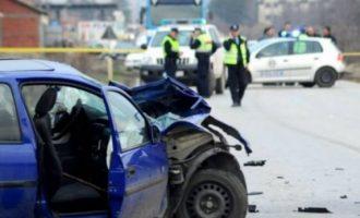 Ngasësja humb kontrollin e veturës dhe pëson vetëaksident