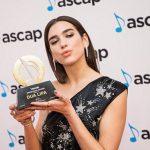 Dua Lipa nderohet për kontributin në muzikë