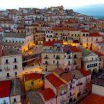 Qyteti që ofron 2 mijë euro për ata që zgjedhin të jetojnë në këtë vend