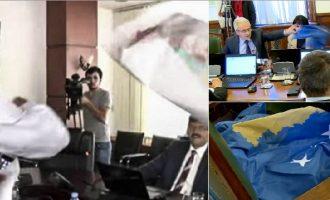 Nervozizëm për territor: Dy veprimet e ngjajshme në Kuvendin e Kosovës dhe Serbisë