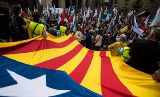 Spanja të shtunën pritet të veprojë për suspendimin e autonomisë së Katalonisë