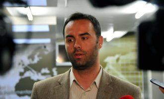 Glauk Konjufca i kërkon kësaj partie bashkëpunim për Prishtinën