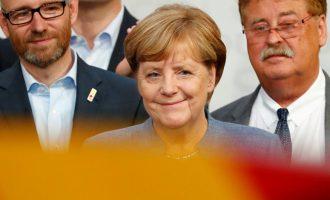 """Koalicioni """"Xhamajka"""", Merkel mbledh rreth vetes të vegjlit"""