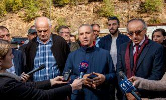 Pacolli viziton minierën e Novobërdës
