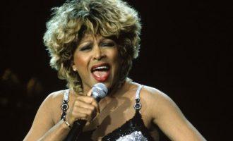 Tina Turner kthehet nga pensionimi
