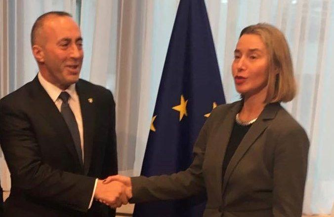 Haradinaj në takimin me Mogherinin kërkon që dialogu të përfundojë me njohjen nga Serbia