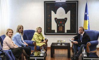 Haradinaj takon përfaqësueset e strehimoreve për viktimat e dhunës