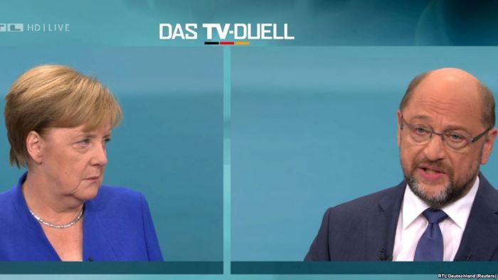 Merkeli synon koalicion të madh me SPD-në opozitare
