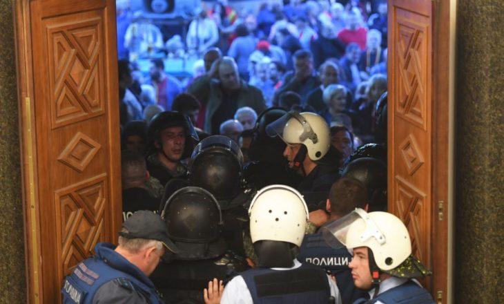 Caktohet masa e paraburgimit për shumicën e të arrestuarve për dhunën në Kuvend