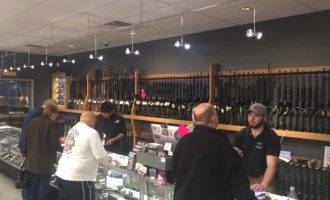 """Zbritja në çmimet e armëve për """"Black Friday"""""""