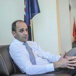 Historia skandaloze e ministrit Dardan Gashi me dy laptopë të Ministrisë së Mjedisit