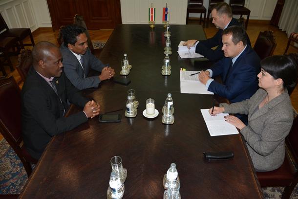 Ministri i Surinamit konfirmon tërheqjen e njohjes së Kosovës