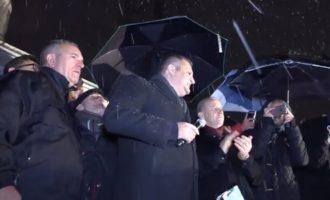 """""""Mposhtëm një qeveri të tërë"""" – Ahmeti shpall fitoren"""