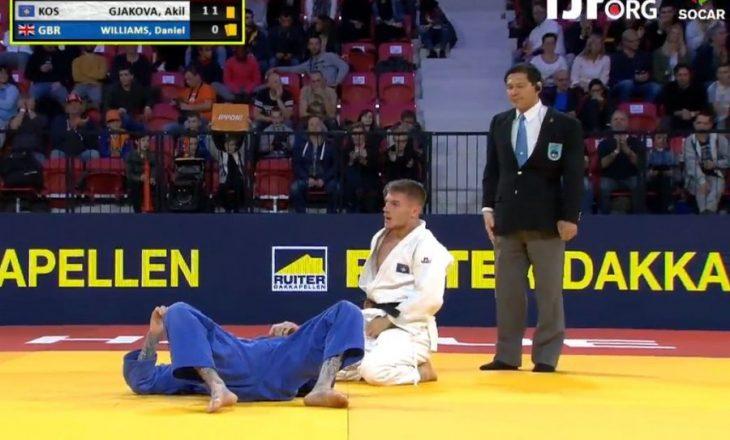 Akil Gjakova në çerekfinale të garës në Hagë