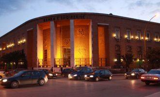 Banka e Shqipërisë thotë se tregu ka tepricë valute
