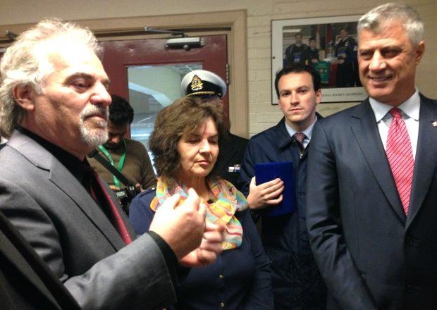 Zbardhet biseda mes refugjatëve kosovarë dhe Thaçit në Kanada