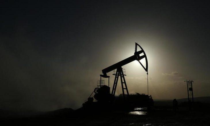 Çmimi i naftës së papërpunuar shënon ulje