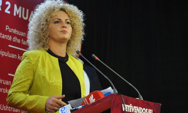 Donika Kadaj-Bujupi flet pas lirimit nga burgu