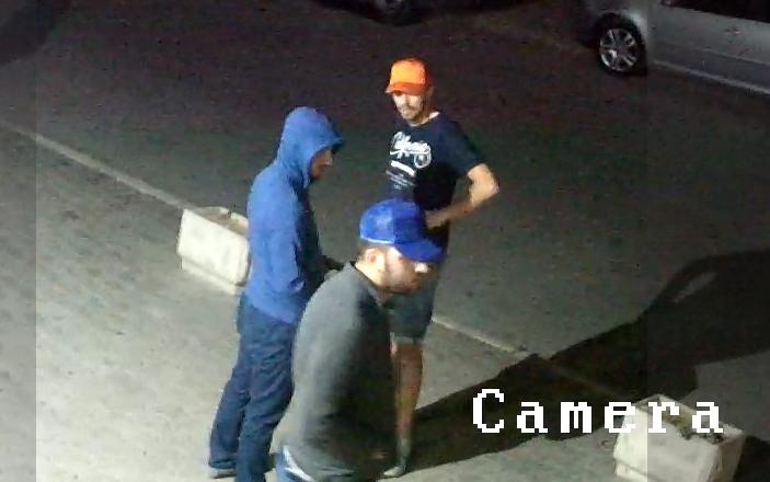 Policia publikon fotot e sulmuesve të Parim Ollurit, kërkon ndihmë për identifikimin e tyre