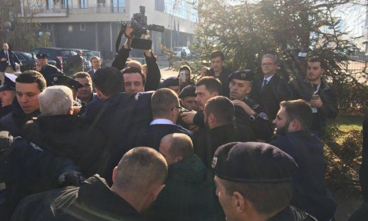 Reagimi i deputetit të LDK-së për arrestimin e deputetëve të VV-së