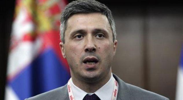Lideri i opozitës serbe: Mlladiqi është hero