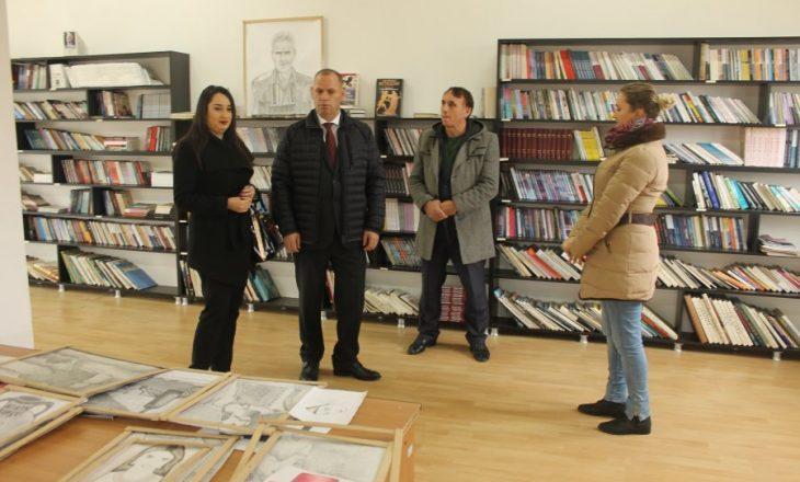 Lladrovci rifunksionalizon dy biblioteka të komunës së Drenasit