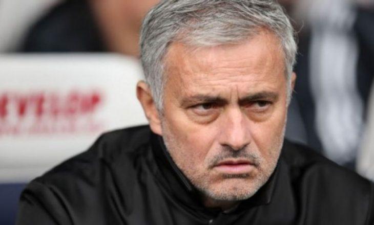 Mourinho largon yllin e Unitedit nga ekipi