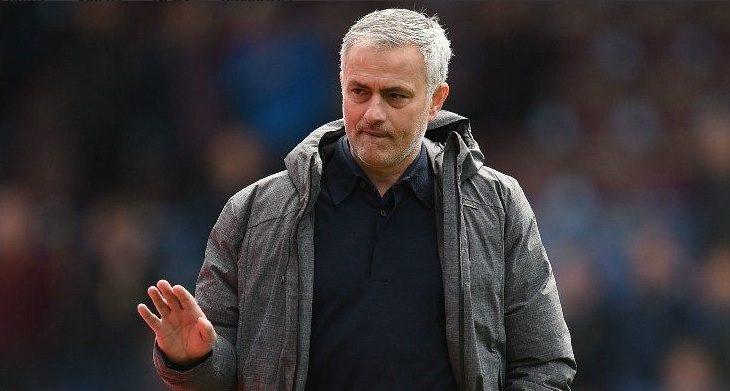 Katër super-blerje dhe rrogë marramendëse, oferta e Manchester Unitedit për Mourinhon