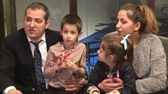 Nëna shqiptare dëbohet nga Amerika pas 15 vjetësh
