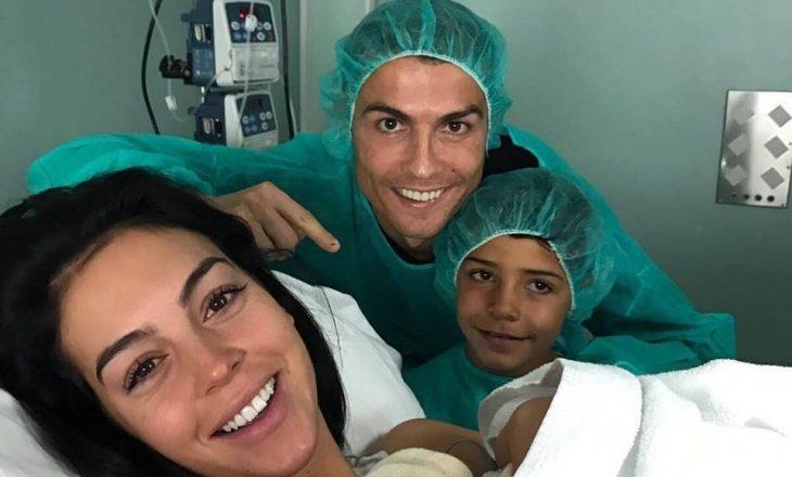 Ronaldo bëhet baba për herë të katërt, fëmija i parë me të dashurën Georginan [Foto]