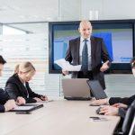 Si të fitoni besimin e shefit tuaj në dhjetë lëvizje