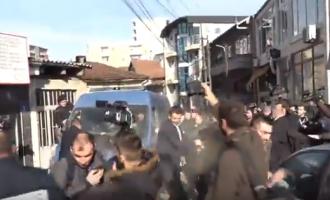 AGK: Dy gazetarë pësuan nga sprej gjatë arrestimit të deputetëve
