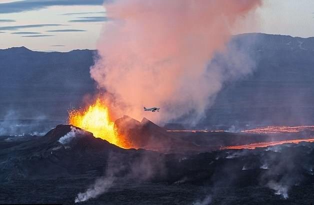 Frikë nga shpërthimi i vullkanit