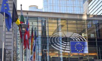 Bashkimi Evropian kritikohet për politikat e imigrimit
