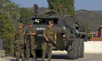 Sqarimi i KFOR-it për shenjat kufitare në Karaçevë