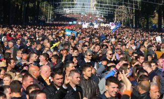 Tetë arsyet e Berishës për protestën e nesërme në Shqipëri
