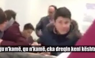 Ish-drejtori i PDK-së në Malishevë rrah nxënësin me shuplaka