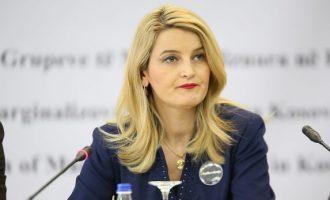 """""""Nuk ia vlente të debatoj për Deharin kur ministrja Hoxha fyente e nxiste dhunë"""""""
