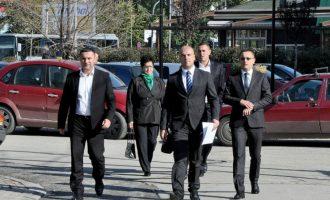 Provokimi i kryetarëve serbë të komunave: Betohen nesër në orën 12:44