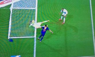 Barcelona sërish dëmtohet nga gjyqtarët në La Liga – Suarezit i mohohet goli [Video]