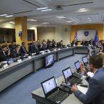 Ministri i qeverisë Haradinaj: Ndjehem i obliguar që një pagë ta ndajë për dënimin e Shaqirit dhe Xhakës