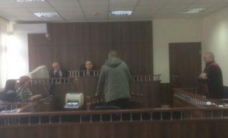 Zëvendëskomandanti i Policisë në Dragash thotë se të kërkuarin s'mund ta arrestonin pasi ishte i armatosur