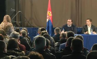 """Diskutimi i Vuçiqit me serbët e Kosovës: ata kanë kërkesa """"të çuditshme"""""""